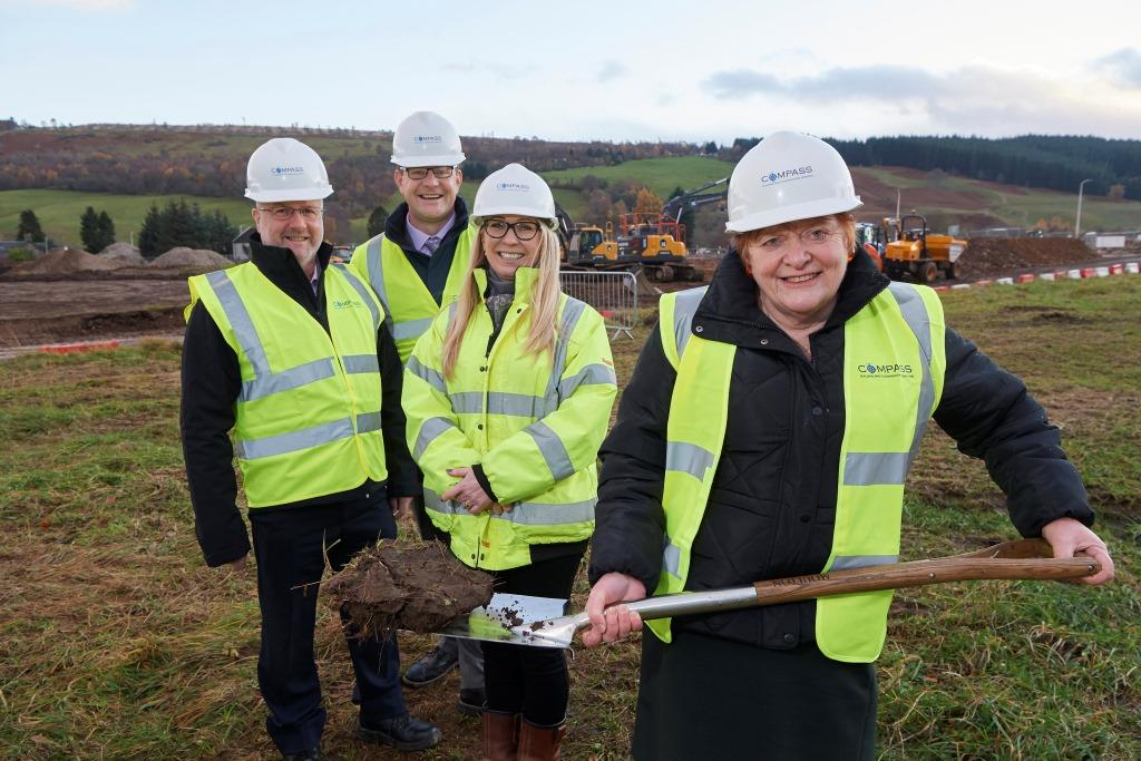 Drumnadrochit Turf cutting